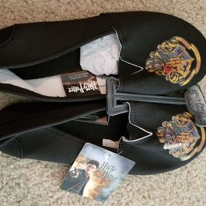 Shoes - Harry Potter Hogwarts Crest slip on shoes M NWT